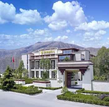 現代湖邊別墅外觀