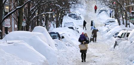 美暴风雪致5000多趟航班取消